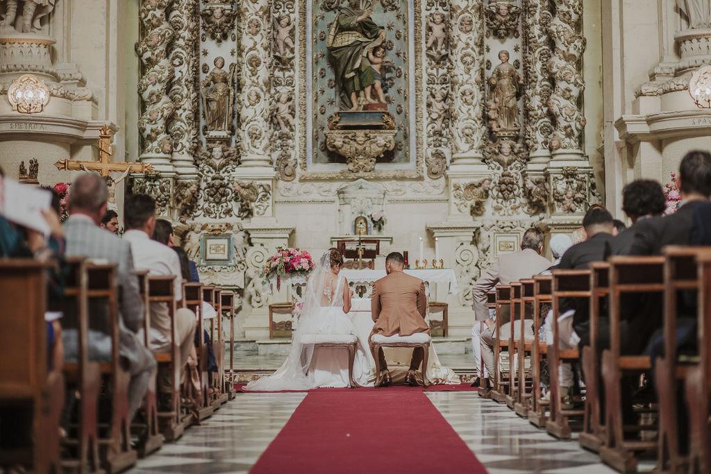 Cérémonie religieuse église en Italie