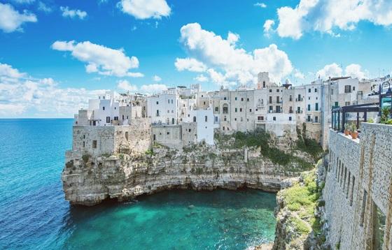 Le village de Polignano a mare