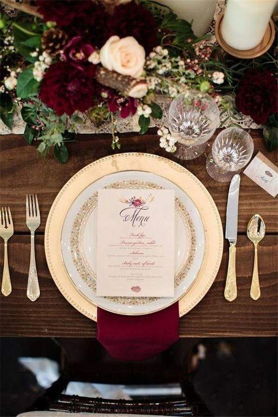 déco table mariage burgundy