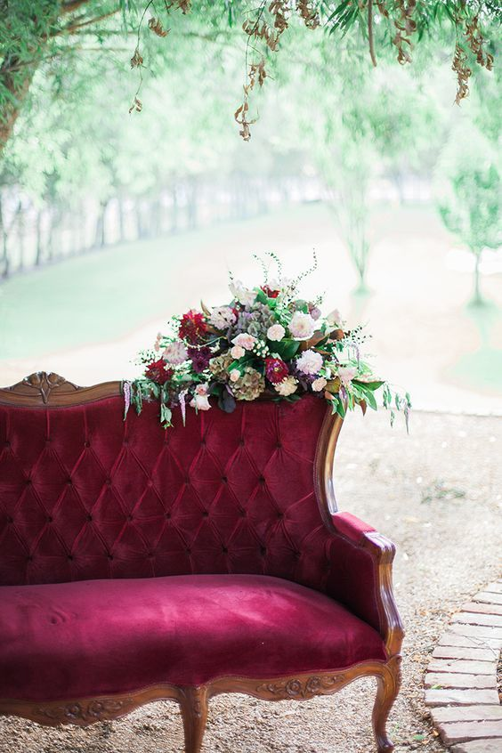 sofa burgundy