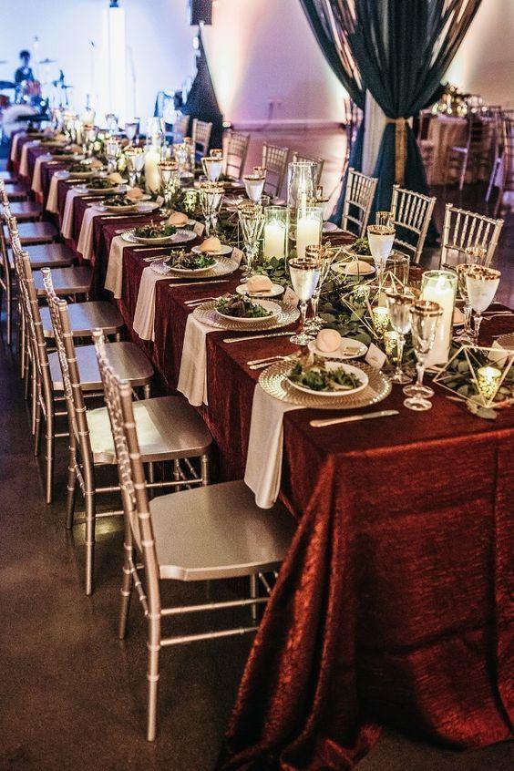table burgundy 2