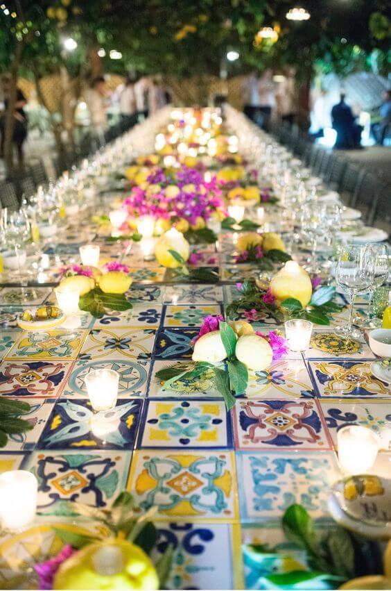 table de mariage en céramique colorée